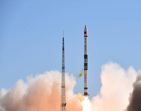 الصين تطلق قمرا صناعيا لدراسة الفضاء