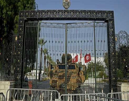 70 نائباً تونسياً يقدمون مبادرة لحلحلة الأزمة