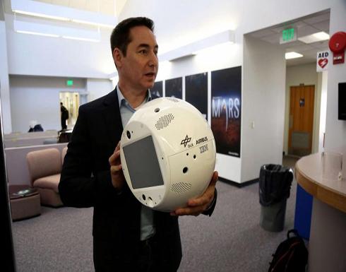 """الروبوت """"سيمون 2"""" إلى المحطة الدولية لتبديد وحدة رواد الفضاء"""