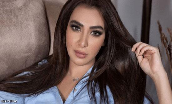 بملابس رياضية .. ميريهان حسين تثير الجدل بأنوثتها في الجيم