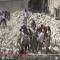 بالفيديو : قتلى وعالقون تحت الأنقاض بقصف جوي على حي باب النيرب في حلب