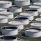 أسعار النفط تنخفض وسط قفزة مفاجئة في المخزونات الأمريكية