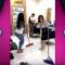 """مريم حسين ترقص بدلع وإثارة أمام حلاقي صالون تجميل """"شاهد"""""""