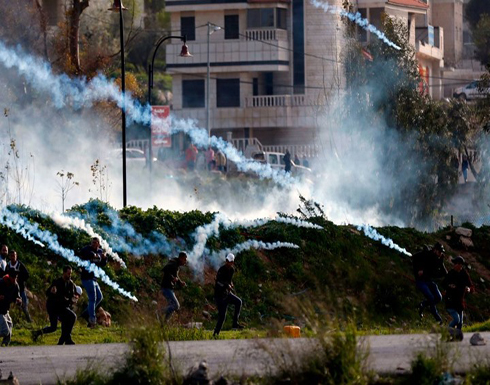 مواجهات بين شبان فلسطينيين وقوات الاحتلال بالضفة (شاهد)