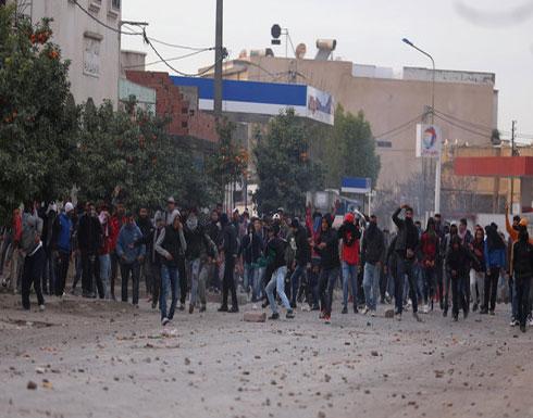 ليلة جديدة من المواجهات بتونس.. عشرات الجرحى وتوقيف 200