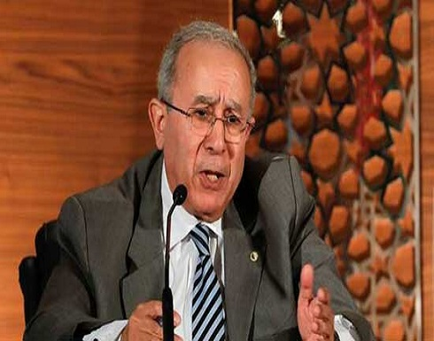 وزير الخارجية الجزائري يصف تصريحات ماكرون بالإفلاس