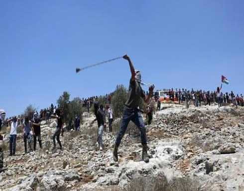 شاهد : إصابات بالرصاص الحيّ خلال مواجهات مع الاحتلال في الضفّة