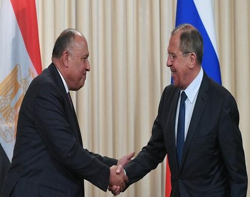 موسكو والقاهرة تؤكدان التزامهما بسيادة ليبيا وحق السوريين في تقرير مصيرهم