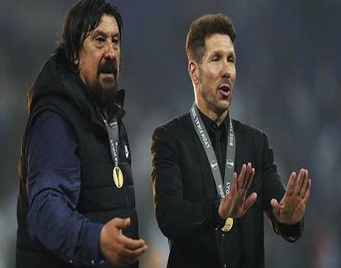 مساعد سيميوني يعلن رحيله عن أتلتيكو مدريد بعد 8 أعوام مع الفريق