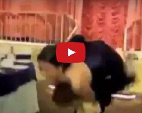 بالفيديو - عريس يفشل في زفافه ويحرج عروسه