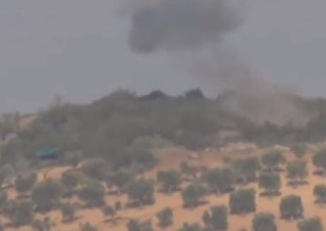 """شاهد ... تدمير دبابتين تركيتين بيد """"وحدات حماية الشعب"""" الكردية"""