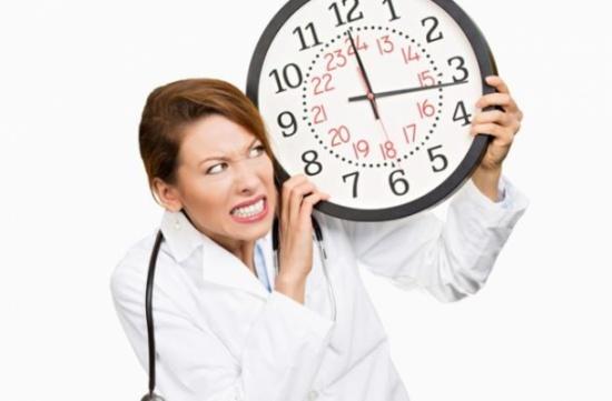 دراسة: المناوبات الليلية تؤثر على النساء أكثر من الرجال