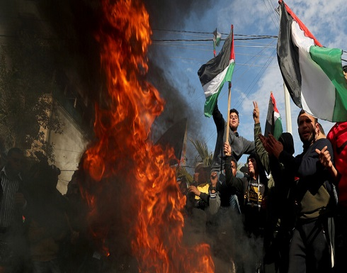 """احتجاجات فلسطينية قبيل نشر """"صفقة القرن.. واشتباكات بين متظاهرين والجيش الإسرائيلي"""