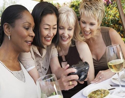 أفضل المواد الغذائية للنساء بعد سن الأربعين