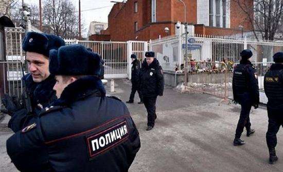 3 حسناوات روسيات يقتلن والدهن  بطريقة مروعة ... والسبب  (صور)