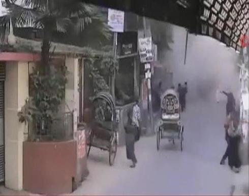 """شاهد : ارتفاع قتلى انفجار """"مكيفات"""" مسجد إلى 20 في بنغلاديش"""