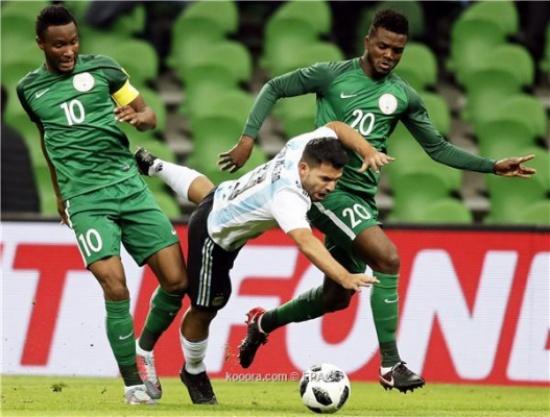 نيجيريا تفجر المفاجأة وتضرب الأرجنتين برباعية وديًا