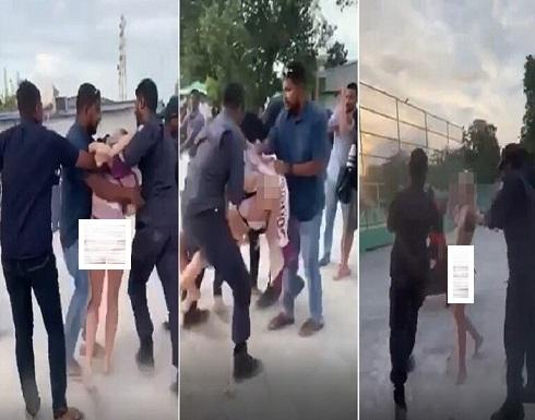 """شاهدوا : اعتقال سائحة في المالديف لارتدائها """"ملابس بحر """"!"""