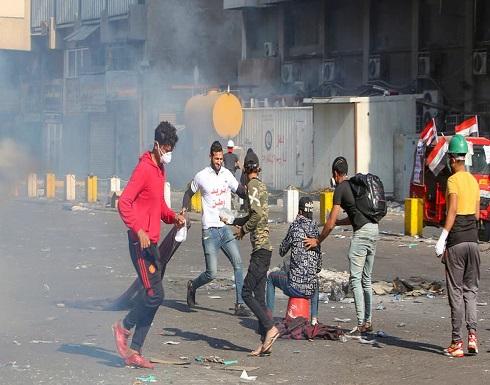 ساحة الخلاني في بغداد تشتعل.. قنابل ضد مئات المحتجين