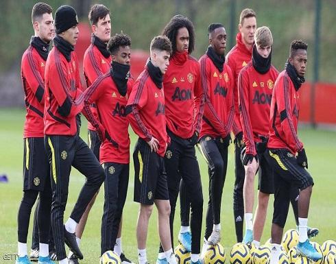 """فيروس """"كورونا"""" يحرم مانشستر يونايتد من لاعبه"""