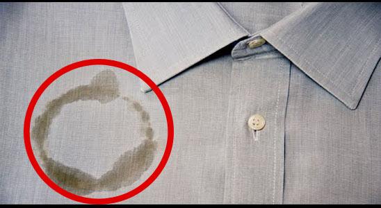 بالفيديو | اسرع طرق وأسهلها لإزالة البقع الزيتية عن الملابس