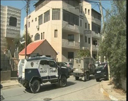 """الاحتلال الاسرائيلي  يعتدي على """"وزارة القدس"""" ويمنع العمل فيها"""