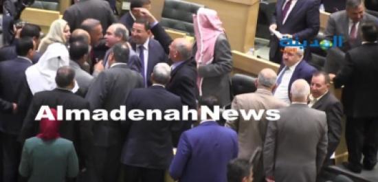 بالفيديو: النواب الأردنيون يقدمون التهاني للملقي