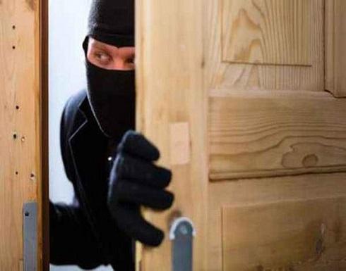 بعد إتمام السرقة.. لص امريكي  يتصل بالشرطة ليتمكن من الهرب