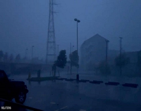 إعصار إيدا يغرق نيو أورلينز الأميركية في ظلام دامس