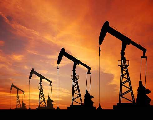 النفط يقترب من 77 دولارا للبرميل وهو أعلى مستوى له منذ 2015