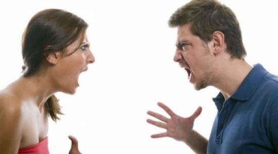 كلينتون وترامب يثيران الخلافات بين الأزواج