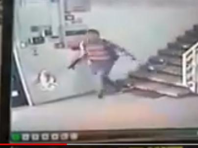شاهد .. انسحاب منفذ عملية اطلاق النار في نابلس بسلام