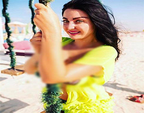شاهد : بملابس البحر.. ضجة على مواقع التواصل الاجتماعي بسبب صوفينار
