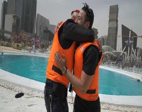 حمادة هلال يصاب في وجهه بمقلب رامز جلال.. والأخير يسخر منه (فيديو)