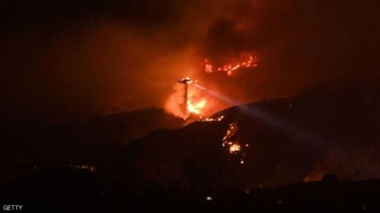 قتلى في حرائق مدمرة تجتاح كاليفورنيا.. وإعلان حالة الطوارئ