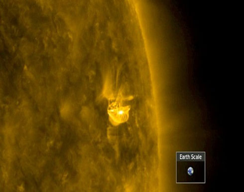 لحظة انفجار رهيب بالشمس يهدد كوكب الأرض.. فيديو