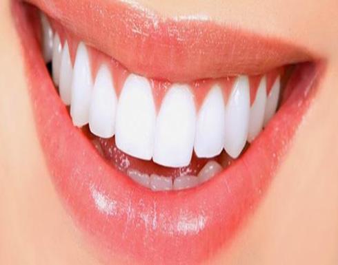 مكونات طبيعية لتبييض الأسنان في المنزل.. منها الكاكاو