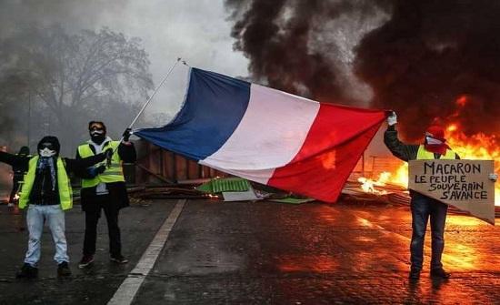 """""""السترات الصفراء"""" تقرب فرنسا من """"قرار 2015"""""""
