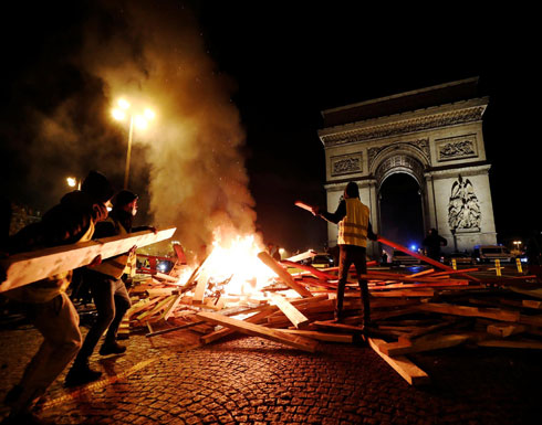 20 مصاباً بينهم 4 من الشرطة باحتجاجات باريس
