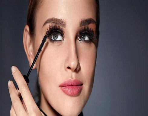 أخطاء ماكياج تشكل خطراً كبيراً على صحة عيونكِ