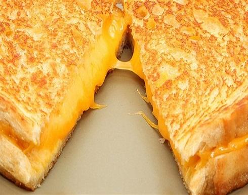 ماذا يعني اشتهاء الجبن أثناء الحمل