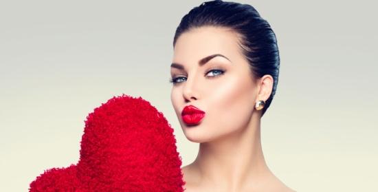 استعدي لعيد الحب.. خطوات تجميلية طبيعية لبشرة مشرقة!
