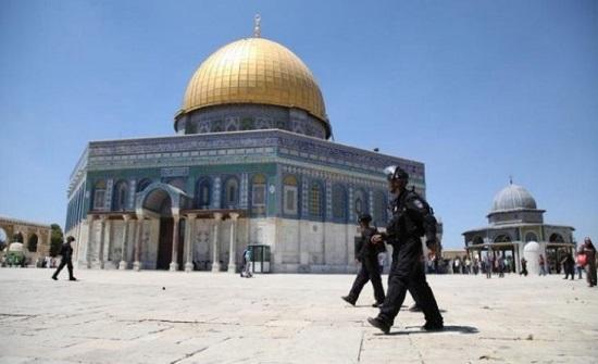 """""""أوقاف"""" القدس تغلق مُصلى """"قبة الصخرة"""" بعد محاولة شرطي إسرائيلي اقتحامه"""