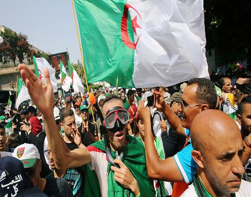 5 مطالب يرفعها الجزائريون في تظاهرات حاشدة