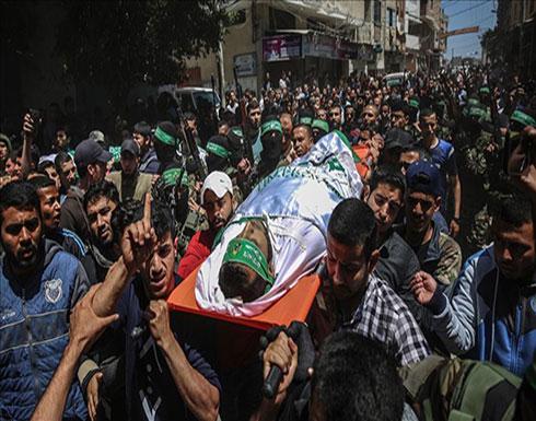 المئات يشيعون جثامين 4 شهداء فلسطينيين في قطاع غزة