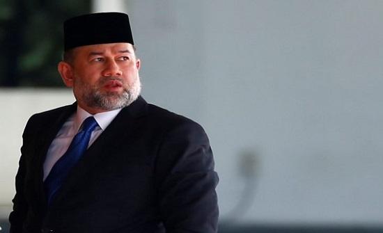 ماليزيا تنتخب ملكا جديدا نهاية الشهر بعد تنازل محمد الخامس فجأة عن العرش