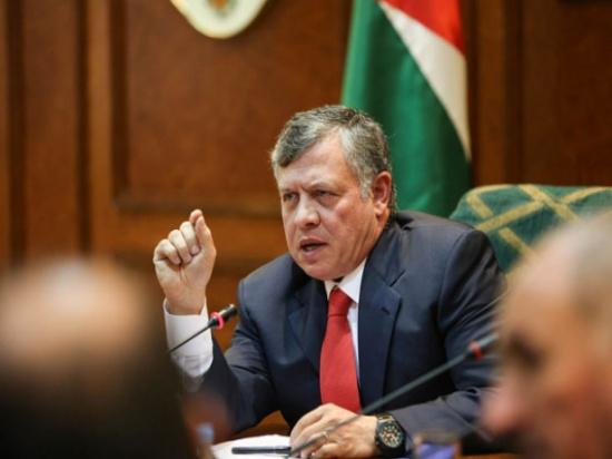 الملك يترأس جانبا من جلسة مجلس الوزراء
