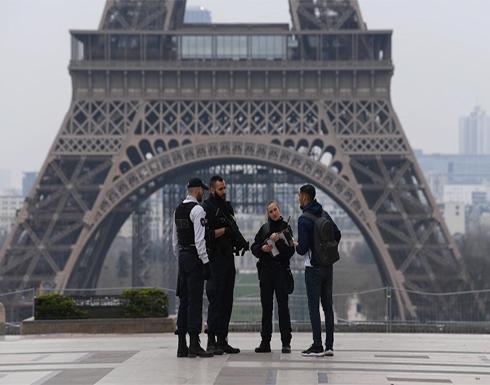فرنسا.. الشرطة تخلي برج إيفل عقب إنذار بوجود قنبلة