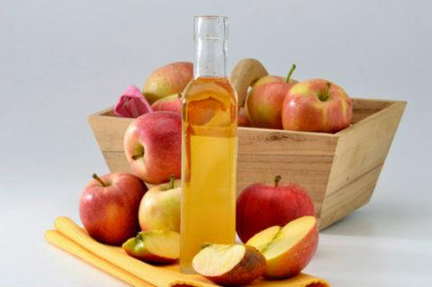 فوائد شرب خل التفاح مع الماء