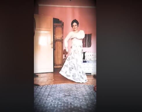 """روبي جعلتها حديث المواقع.. """"شاهد"""" فيديو رقص لخريجة صيدلة تدعى ياسمين عبد الرحيم من غرفة نومها يقلب مصر"""